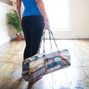 sporttas om al je yoga, pilates of andere sportartikelen mee te vervoeren naar de sportschool of studio