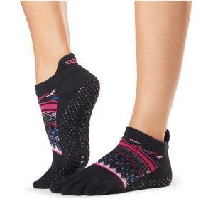 sokken met tenen Woodstock zijn voorzien van antislip op de onderkant van de sok waardoor je niet uitglijdt