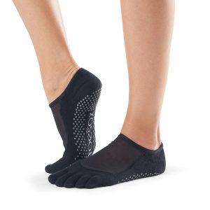 ToeSox Luna antislip sokken in zwart zijn chic en stijlvol tegelijk, met super goede antislip