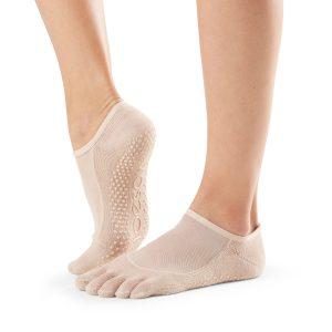 ToeSox antislip sokken Luna Nude zijn direct online verkrijgbaar bij Yoga-Pilatesshop