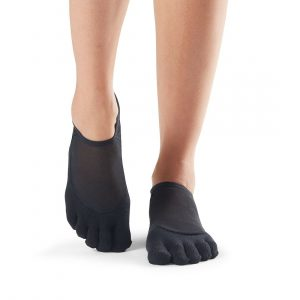 antislip sokken ToeSox Luna in zwart zijn direct verkrijgbaar bij Yoga-Pilatesshop