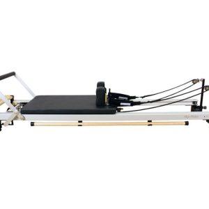 vernieuwde C2 RC reformer van Align-Pilates is compatibel met alle accessoires van de eerder C-serie reformers