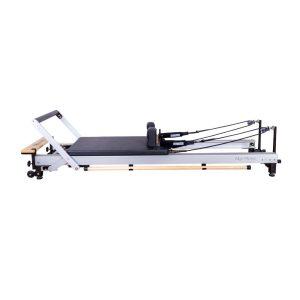C8 Pro Pilates Reformer van Align-Pilates met 8 PU wielen