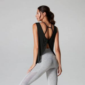 Sport top twist back van Tavi Noir shop je op Yoga-Pilatesshop