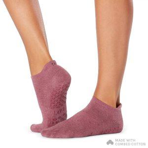 Antislip sokken Savvy Garnet verkrijgbaar bij Yoga-Pilatesshop.nl!