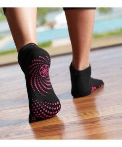 antislip sokken dames van Gaiam kopen bij yoga-pilates shop in utrecht