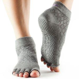 Antislip sokken Fishnet Storm van ToeSox kopen bij Yoga-Pilatesshop in Utrecht