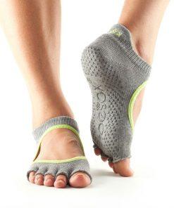 antislip sokken in het model bellarina zonder tenen van toesox direct te bestellen bij yoga-pilatesshop.nl