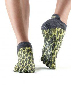 antislip sokken met gescheiden tenen van ToeSox direct online bestellen bij yoga-pilatesshop utrecht