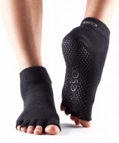 antislip sokken pilates met halve tenen zwart maat S, M en L.