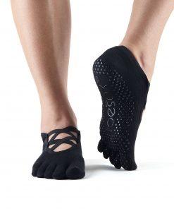 antislip sokken van toesox in de kleur zwart kopen bij yoga-pilatesshop utrecht