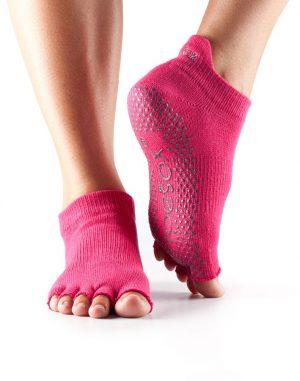 Antislip sokken verkrijgbaar bij yoga-pilates shop in utrecht