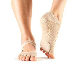 antislip sokken voor dansen in huidskleur te verkrijgen bij yoga-pilatesshop.nl
