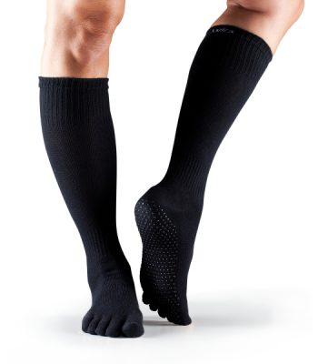 antislip sokken zwart kniehoog kopen bij yoga-pilatesshop in utrecht
