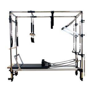 reformer pilates in combinatie met een full cadillac frame die volledig is uitgerust voor alle reformer pilates oefeningen