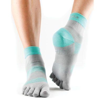 sportsokken met vijf tenen model zijn ideaal voor hardlopen, wandelen of tennissen en online te koop bij yoga-pilatesshop